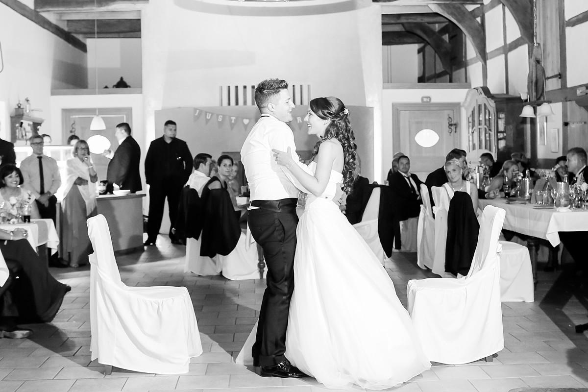 Hochzeitsfotograf-MeyerzuMüdehorst-Bielefeld-KirchlicheTrauung-FotografNRW_0268