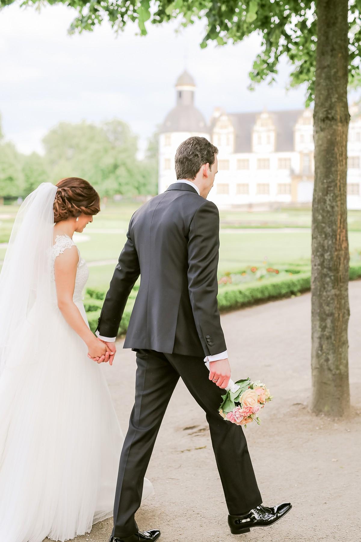 Hochzeitsfotograf-SchlossNeuhaus-Paderborn-FreieTrauung-FotografNRW_0077